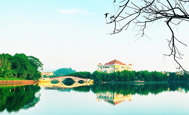 """Hồ công viên Tân Quang: """"Trái tim thiên nhiên"""" trong lòng đô thị"""