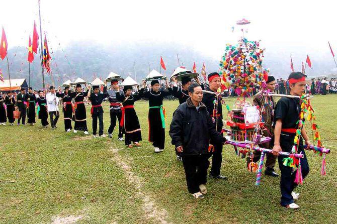 Đặc sắc lễ hội Lồng Tồng