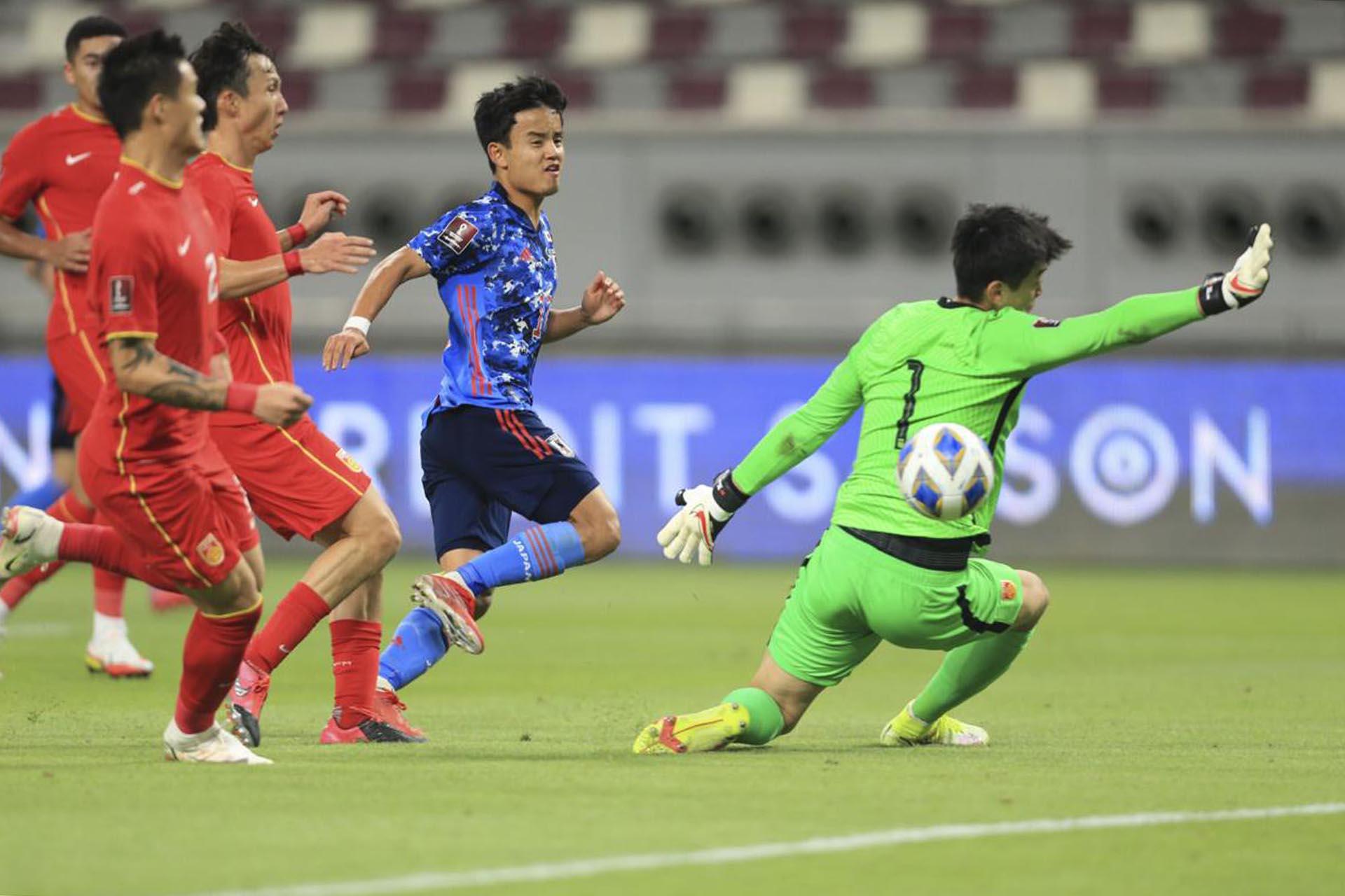 Đội tuyển Trung Quốc thua Nhật Bản, tiếp tục đứng cuối bảng B